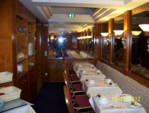 Hotel Royal Elysées photo 8