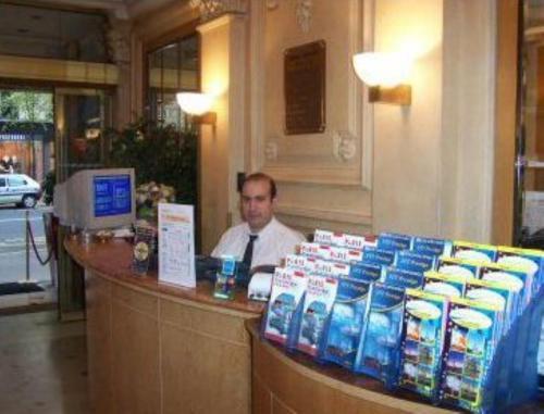Hotel Royal Elysées photo 10