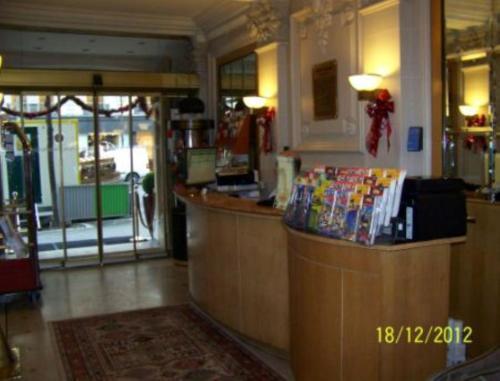 Hotel Royal Elysées photo 11