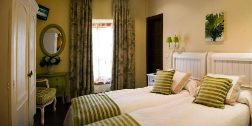 Standard Single Room with Shower Hotel San Antón Abad 2
