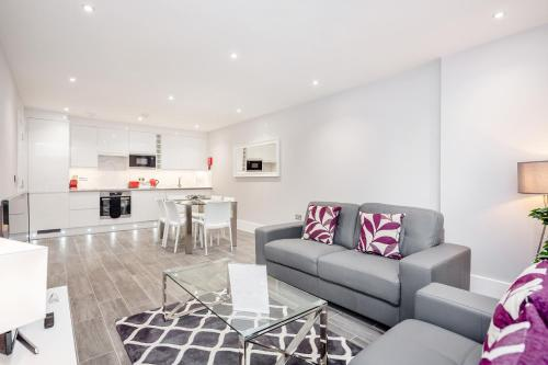 Roomspace Serviced Apartments - The Legacy