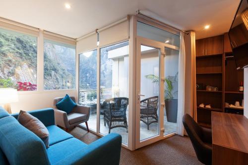 Inti Punku Machupicchu Hotel & Suites