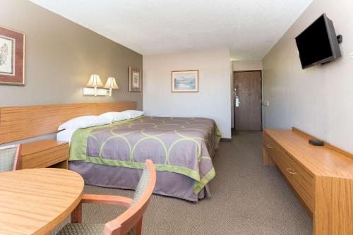 Super 8 By Wyndham Cos/Hwy. 24 E/Pafb Area - Colorado Springs, CO 80915