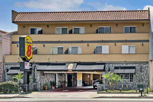 Super 8 by Wyndham Inglewood/LAX/LA Airport - Inglewood, CA CA 90304