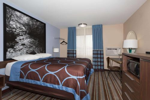 Super 8 By Wyndham Longmont/Twin Peaks - Longmont, CO 80501