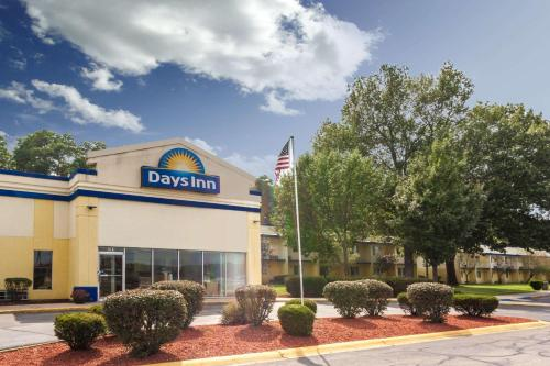 Days Inn by Wyndham Portage
