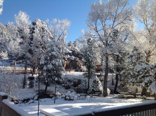 4 Seasons Inn On Fall River - Estes Park, CO 80517