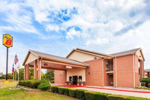 Super 8 by Wyndham Mount Vernon - Mount Vernon, Texas