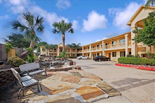 Hotels Amp Vacation Rentals Near Fuqua Houston Tx Trip101