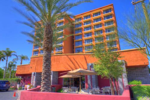 Ramada by Wyndham Phoenix Midtown - Phoenix, AZ AZ 85013