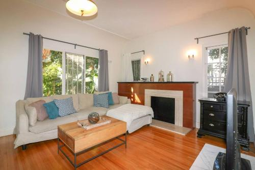 Cheap Hotels Near Kitchen 24 In West Hollywood Triphobo