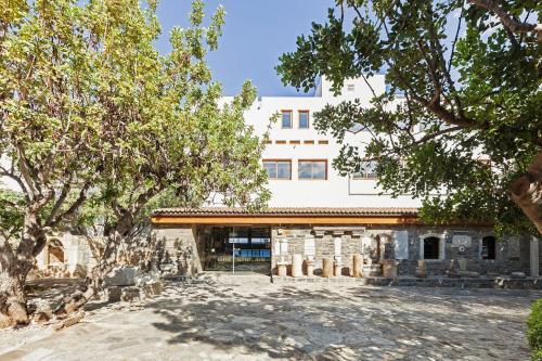 Main Street, Eloúnda, 72053, Crete, Greece.