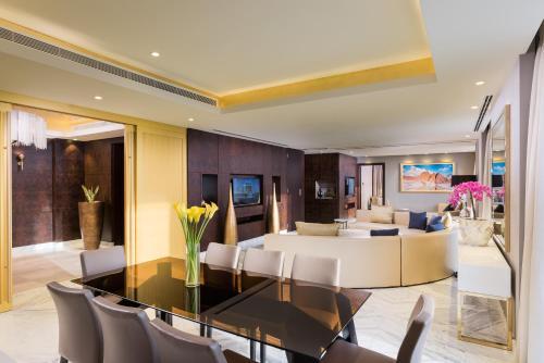 Grand Millennium Muscat 房间的照片