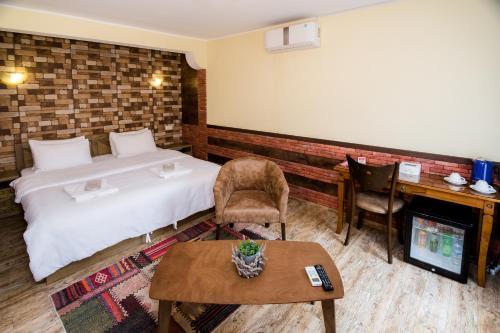 Фото отеля Metekhi's Galavani Hotel