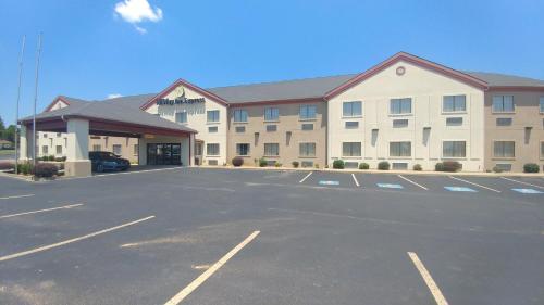 . HiWay Inn Express & Suites
