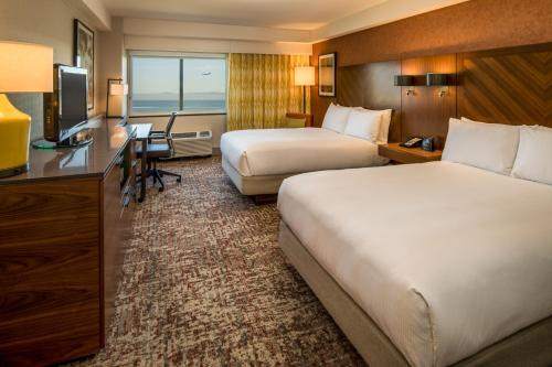 DoubleTree by Hilton San Francisco Airport - Burlingame, CA CA 94010-9949