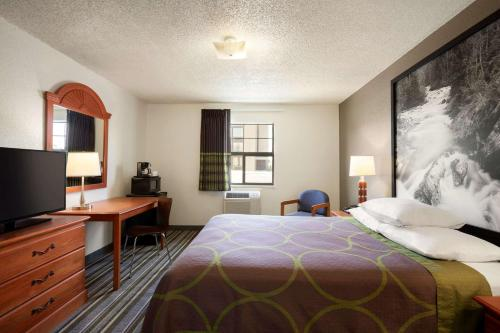 Super 8 By Wyndham Colorado Springs/Afa Area - Colorado Springs, CO 80920