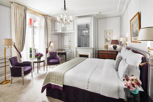 Hotel Plaza Athenee Paris photo 9