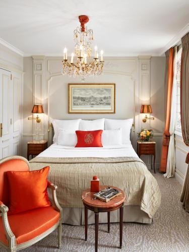 Hotel Plaza Athenee Paris photo 32