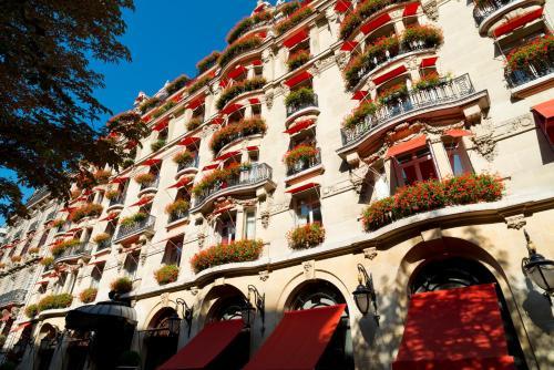 Hotel Plaza Athenee Paris impression