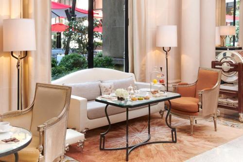 Hotel Plaza Athenee Paris photo 93