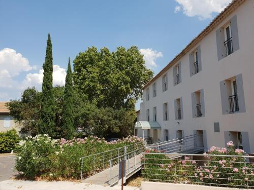 Brit Hotel du Moulin de la Pioline - La Table à Fromages - Hôtel - Aix-en-Provence