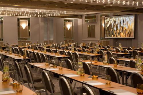 Renaissance Duesseldorf Hotel photo 50
