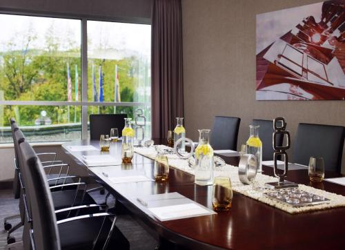 Renaissance Duesseldorf Hotel photo 53