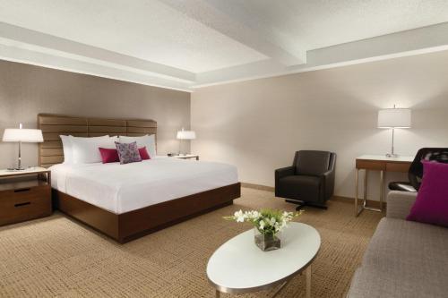 Coast Edmonton Plaza Hotel by APA - Edmonton, AB T5J 1E2