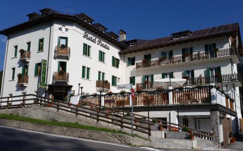 Hotel Pineta Falcade