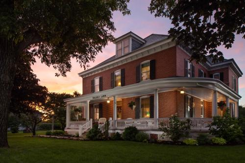 HotelWalnut Lawn Bed and Breakfast