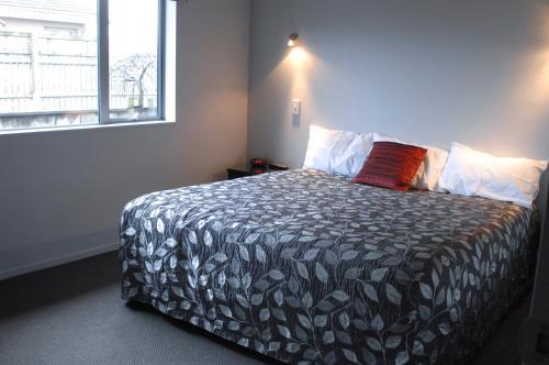 295 on Tay Motel - Accommodation - Invercargill