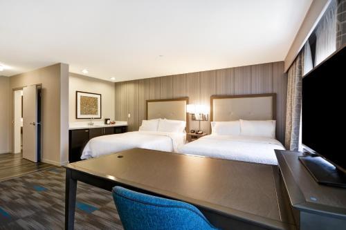 Hampton Inn & Suites Los Angeles Burbank Airport - Burbank, CA CA 91504