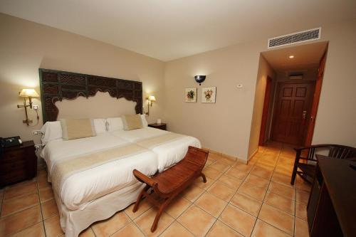 Habitación Doble Superior - 1 o 2 camas - Uso individual Hotel Château Viñasoro 29