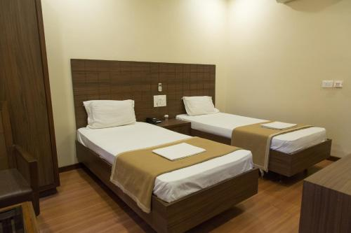 JK Rooms 137 Majestic Annexe - Opp Airport