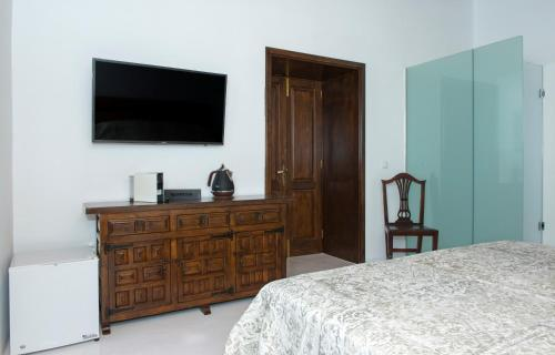 Deluxe Double Room with Side Sea View Finca Isolina Hotel Boutique 15