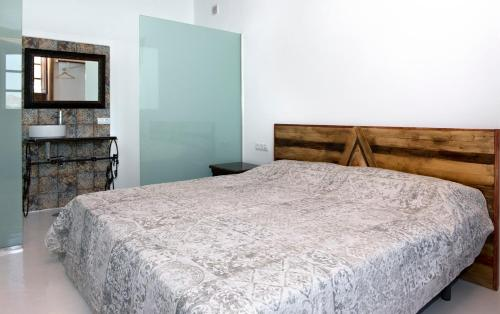 Deluxe Double Room with Side Sea View Finca Isolina Hotel Boutique 9