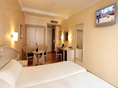 Hotel Lleó photo 15