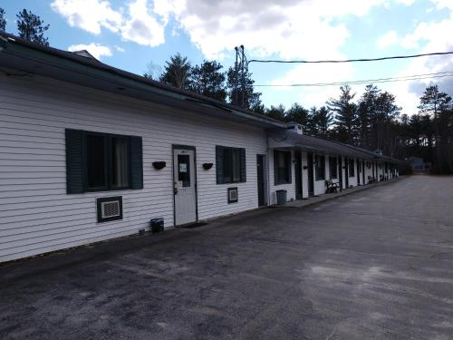 West Bethel Motel - Bethel, ME 04286