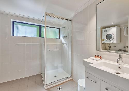 Фото отеля Cape Apartments