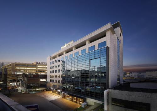 . Staz Hotel Myeongdong 1