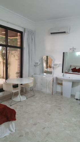 Studios Corniche photo 140