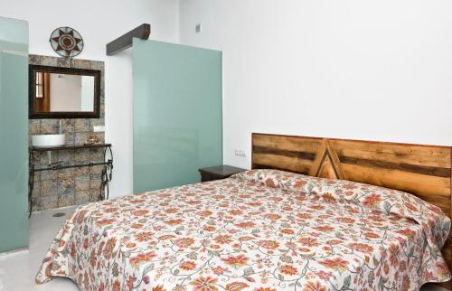 Deluxe Double Room with Side Sea View Finca Isolina Hotel Boutique 11