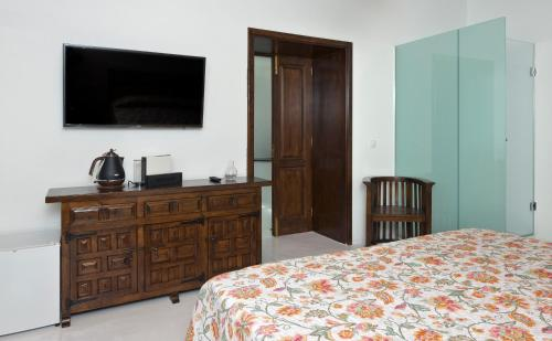 Deluxe Double Room with Side Sea View Finca Isolina Hotel Boutique 14