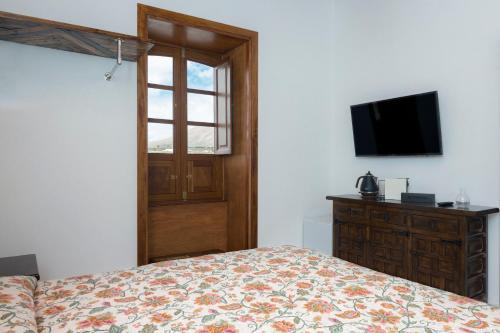 Deluxe Double Room with Side Sea View Finca Isolina Hotel Boutique 5