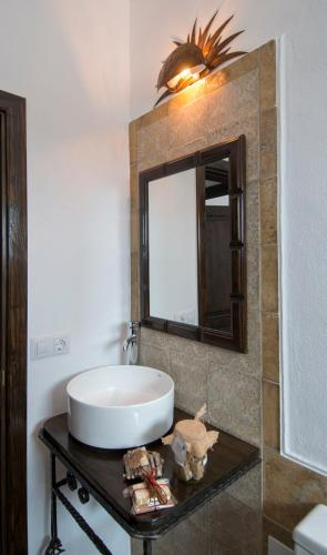 Junior Suite with Terrace - single occupancy Finca Isolina Hotel Boutique 10