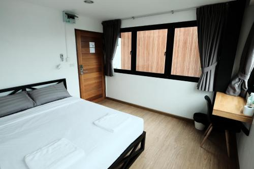 Wayha Hostel Don Mueang Airport photo 39