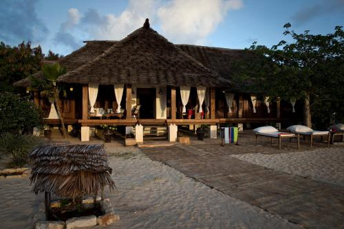 . Mandarina Beach Cottage