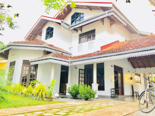 Trip 'N' Chill Hostels Colombo Airport