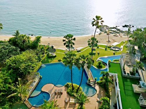 Beach front sea view modern apartment The PAlM Beach front sea view modern apartment The PAlM